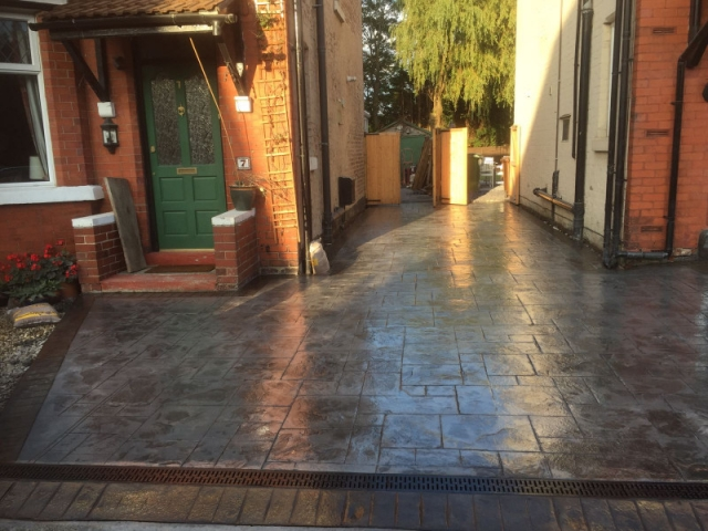 Shared driveway re-surface Cheadle Hulme