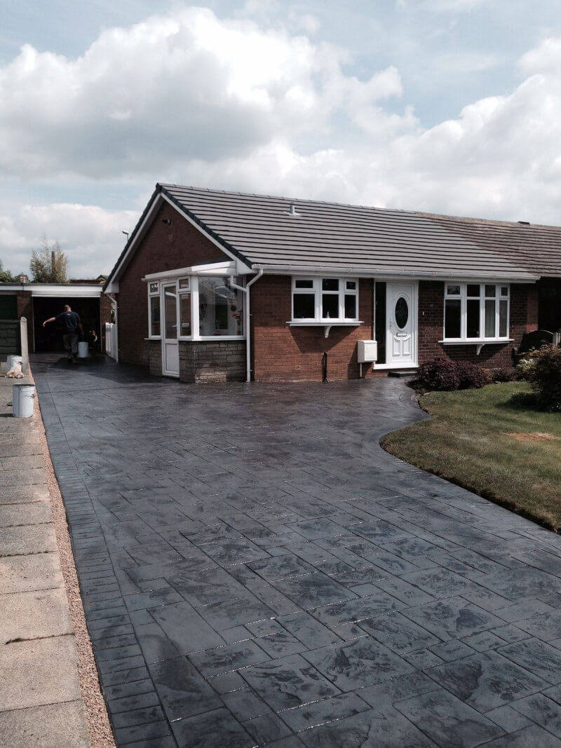 Ash grey with charcoal release colour driveway