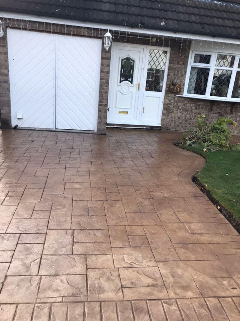 Concrete Printed Driveway in Bideford buff with walnut release printed in Ashlar cut stone