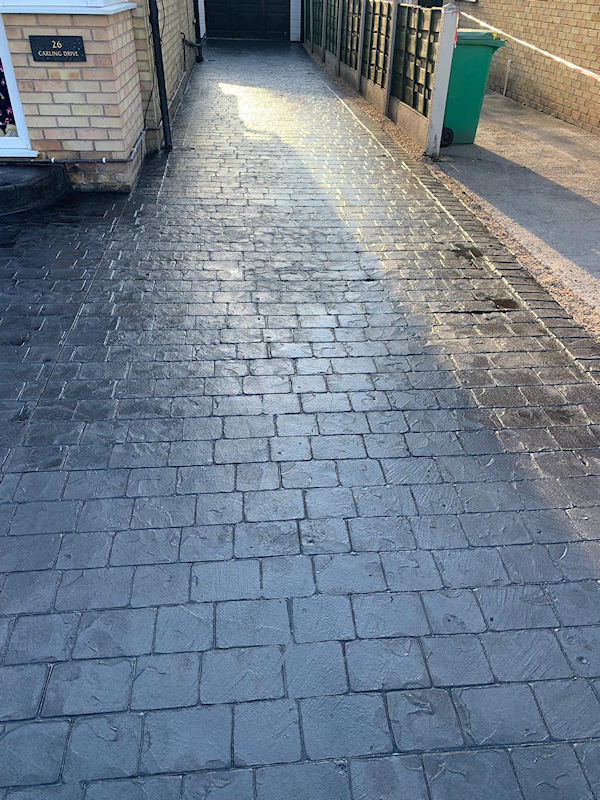 Driveway installed in the Wythenshawe area of Manchester by planet surfacing